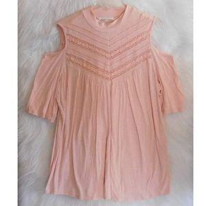 ♦️Cold shoulder pink top♦️